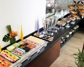 Café da manhã Altitude by Krystal Grand Punta Cancún All Inclusive -