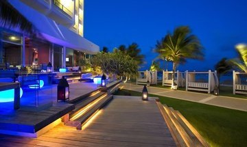 Terraço lounge Altitude by Krystal Grand Punta Cancún All Inclusive -