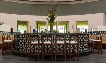 Lobby Bar Altitude by Krystal Grand Punta Cancún All Inclusive -