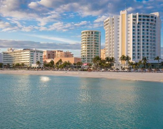 Fachada Altitude by Krystal Grand Punta Cancún All Inclusive -